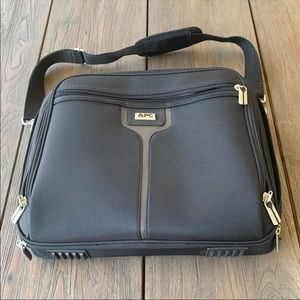 APC TC900N Ultra-Lite Nylon Notebook Travel Case